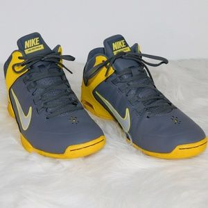 Nike Air Visi Pro 4. Size 9.